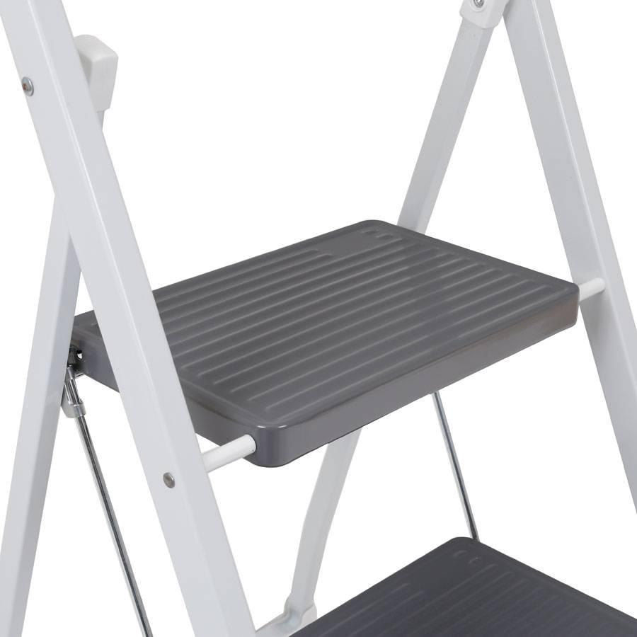 trittleiter klapptritt 2 stufig h he 80 cm haushaltsleiter. Black Bedroom Furniture Sets. Home Design Ideas